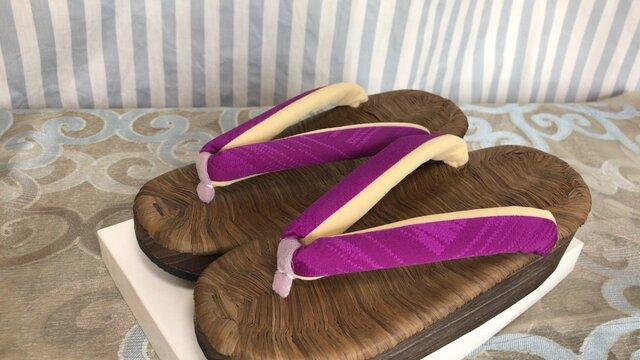 カラス畳表舟底下駄 紫色無地花緒・Mサイズの画像1枚目