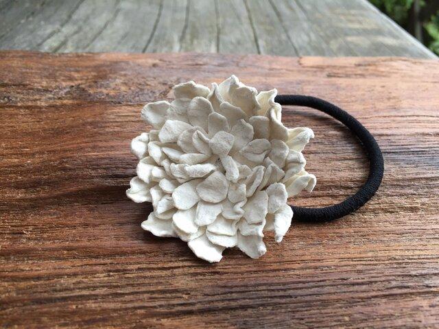 革花のヘアゴム Lサイズ 白の画像1枚目