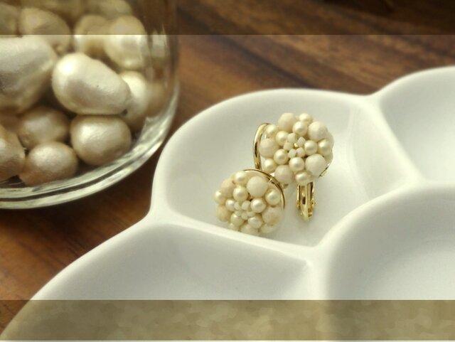 リバーストーンの花 earringの画像1枚目