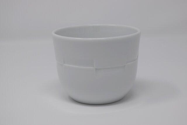 有田焼 博泉窯 白磁彫文蕎麦猪口 中村慎 作 手造り シンプル きれいな白磁 贈り物 ギフト 和食器の画像1枚目