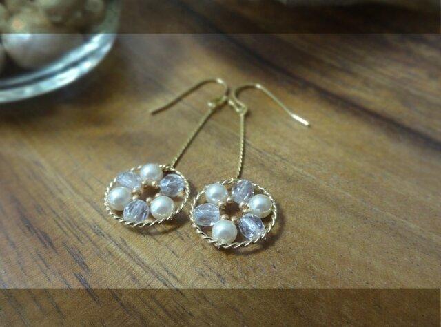 白い花 pierce・earringの画像1枚目