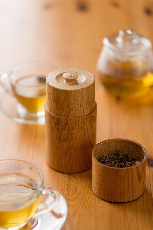 ろくろ挽きの欅の木の茶筒(大)の画像1枚目