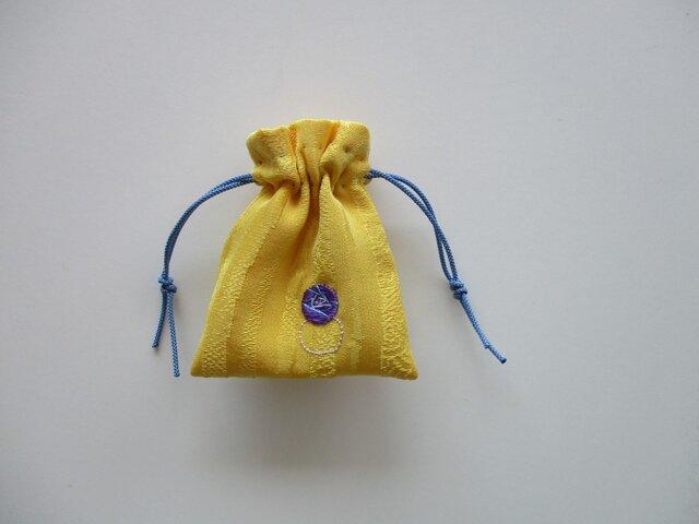 刺繍のアクセサリー入れ 黄色 指輪の画像1枚目