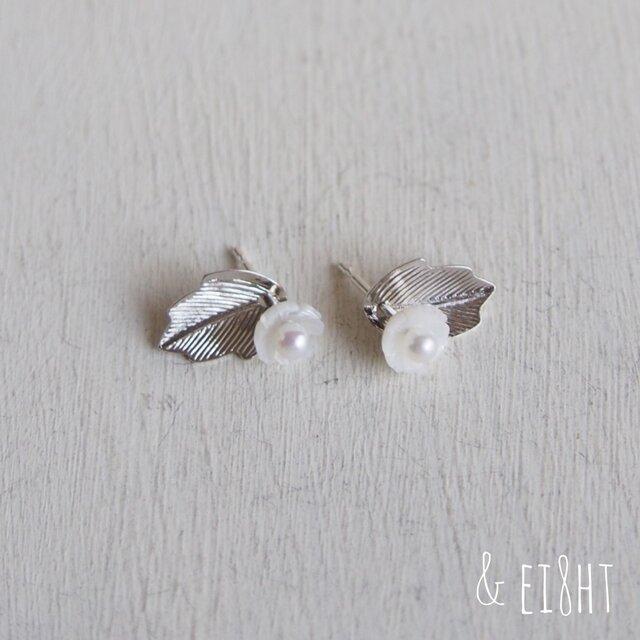【 2WAY 】白蝶貝の花ピアス  - SILVER -の画像1枚目