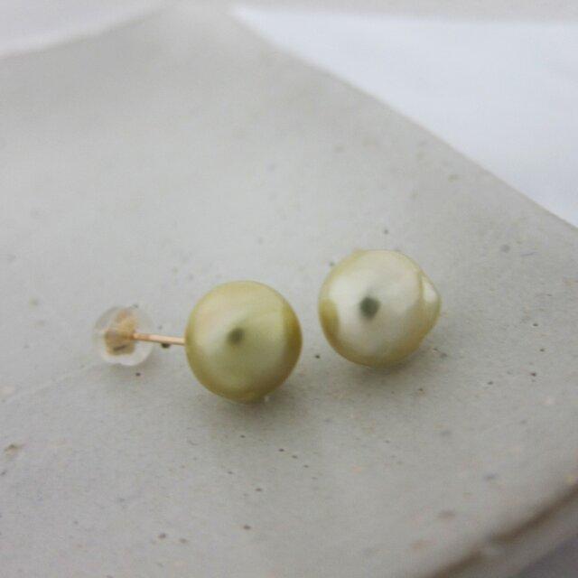 9mm♪K10YG 白蝶真珠バロック 片穴スタッドピアス 09-10-2Peの画像1枚目