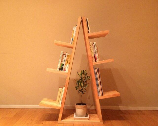 お片付けが楽しくなる「木」のカタチの本棚 【本のナル木】の画像1枚目