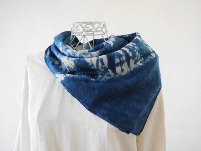 3_極細リネンの藍染めバンダナ(天然藍・絞り染め)限定品の画像1枚目