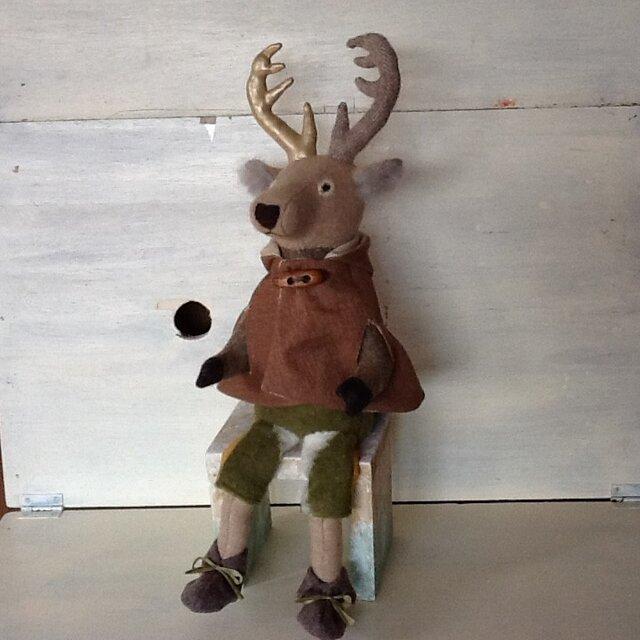 森の鹿の画像1枚目