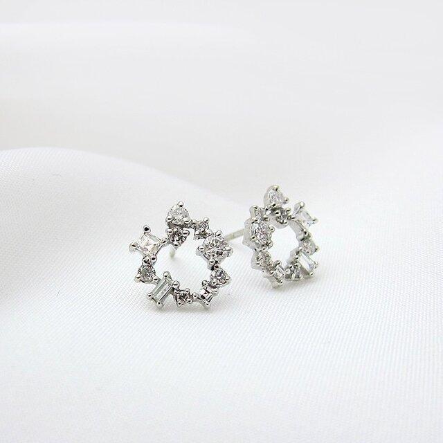 【再販】fancycut  ダイヤサークルピアス K18WGの画像1枚目