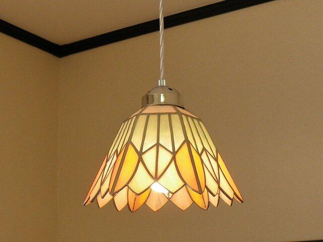 ペンダントライト・ピンクイエローのお花(ステンドグラス)天井のおしゃれガラス照明 Lサイズ・13の画像1枚目
