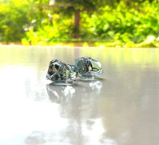 硝子の結晶イヤリングの画像1枚目