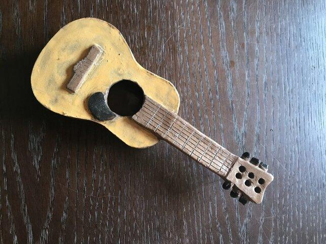陶製ギターの画像1枚目