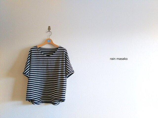 vネックのドルマンスリーブTシャツ*ネイビーボーダーの画像1枚目