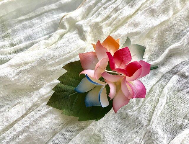 紫陽花のコサージュの画像1枚目