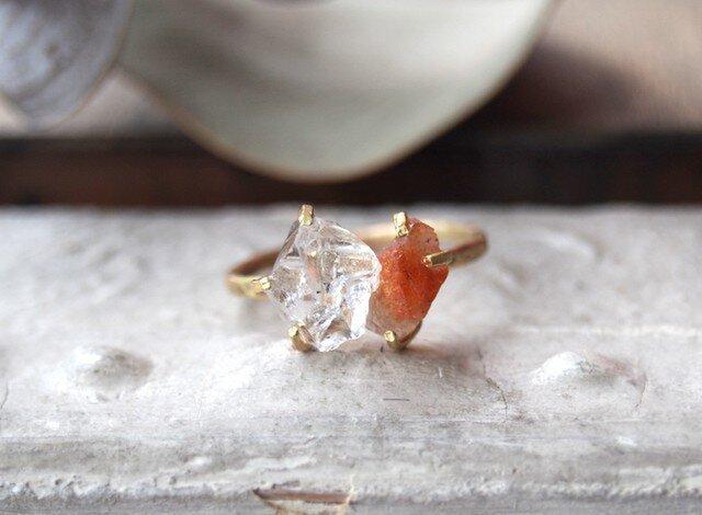 ちず様オーダー 原石のサンストーンとダイヤモンドクォーツのリングの画像1枚目