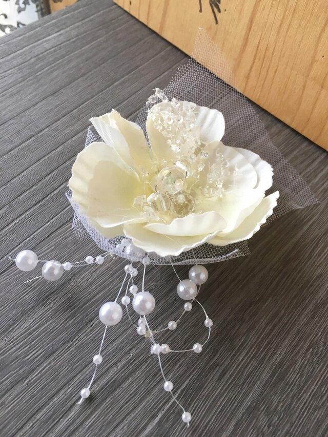パールとお花のお飾り★造花★ウェディング・和装の画像1枚目