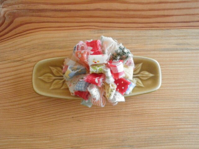 裂き布のお花 コサージュ1の画像1枚目