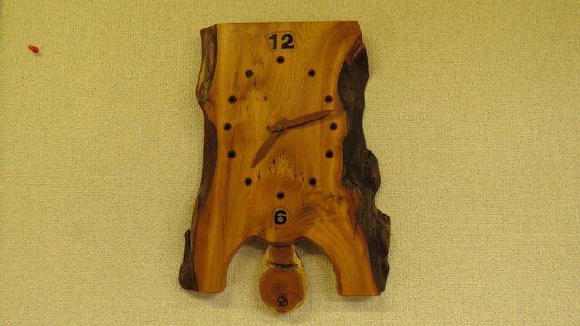 イチイ(オンコ)の振り子式掛け時計NO3の画像1枚目