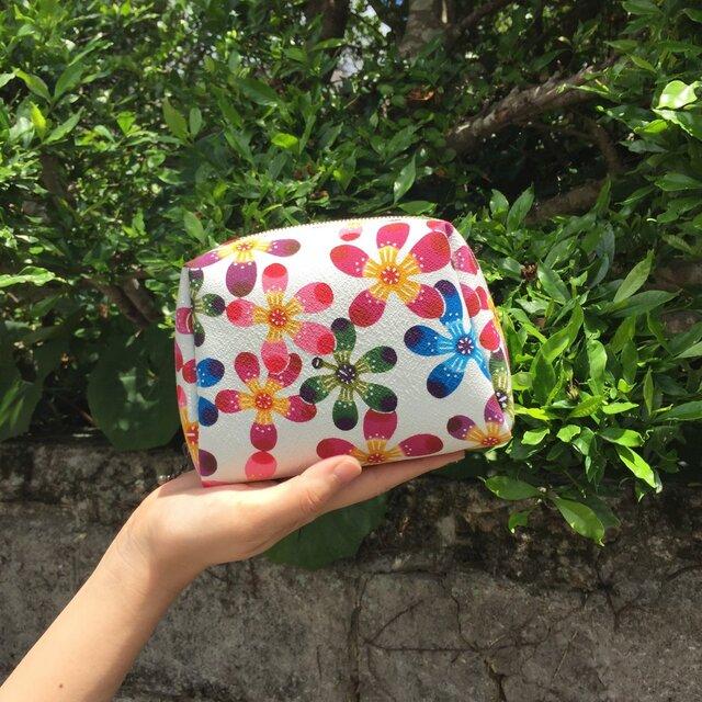 """手のひらサイズ 手染め 化粧ポーチ Bingata cosmetic pouch """"Floss silk tree""""の画像1枚目"""