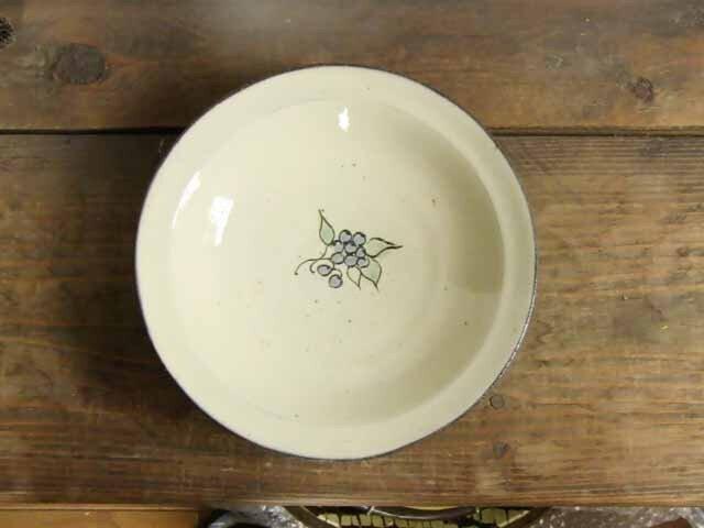ブルーベリーの鉢(三彩)の画像1枚目