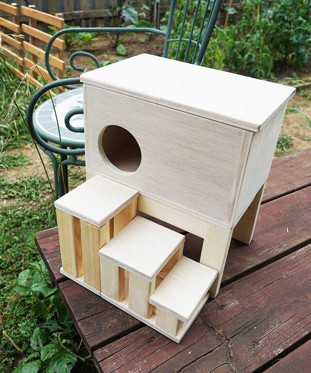 子ウサギさんのおうち♪木製ハウス/階段付き[小ウサギ・テグー・リス]の画像1枚目