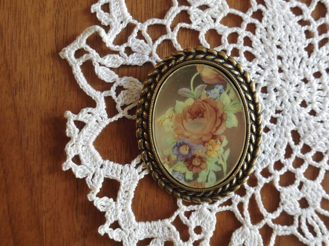 ブローチ・花 バラのヴィンテージカボションブローチ b-1の画像1枚目