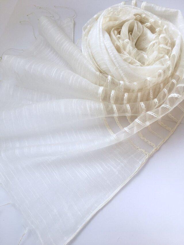 透かし織*白色*コットンシルクショールの画像1枚目