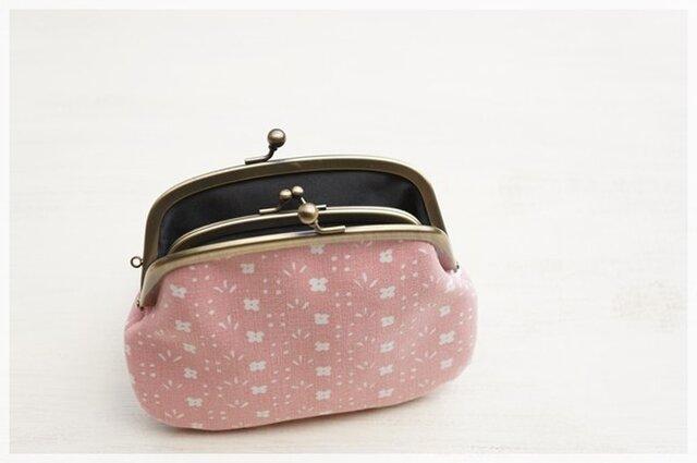 ■花柄ヴィンテージ生地の親子がま口財布・ピンクに白の小花■の画像1枚目