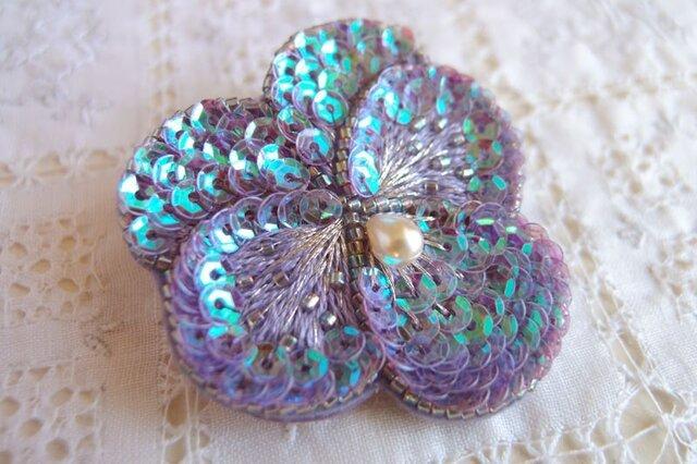 輝く紫のパンジーブローチ 蒼き星 Bの画像1枚目