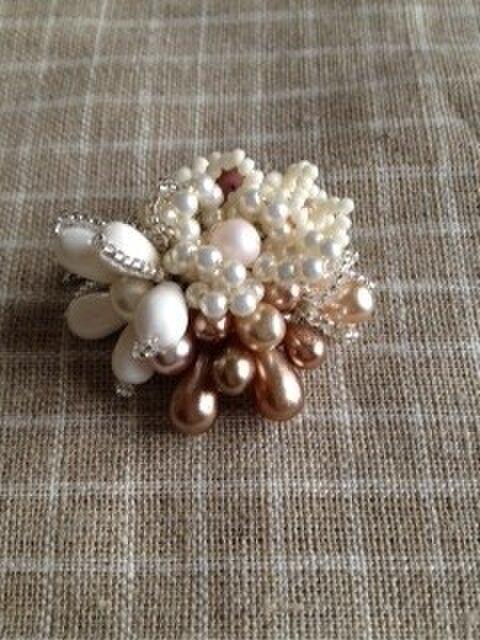 Bouquetブローチの画像1枚目
