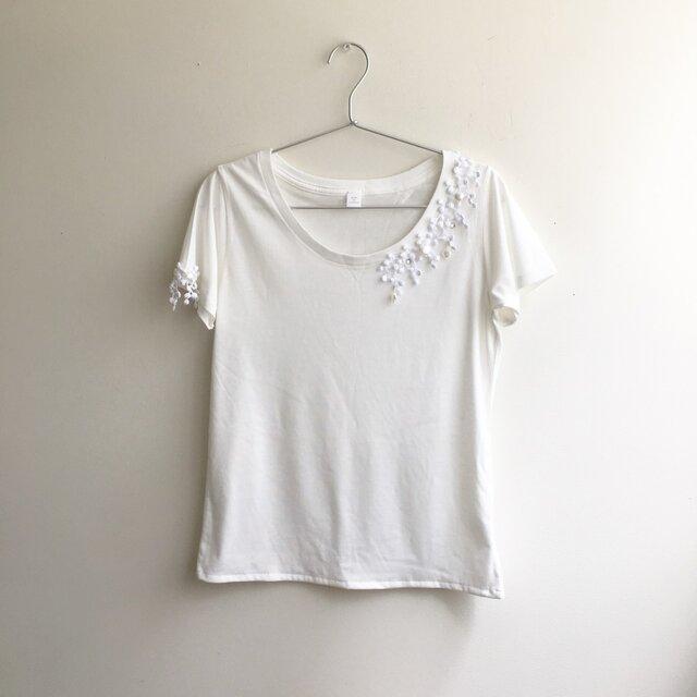 手しごとTシャツ 白×白ぶどうレースの画像1枚目