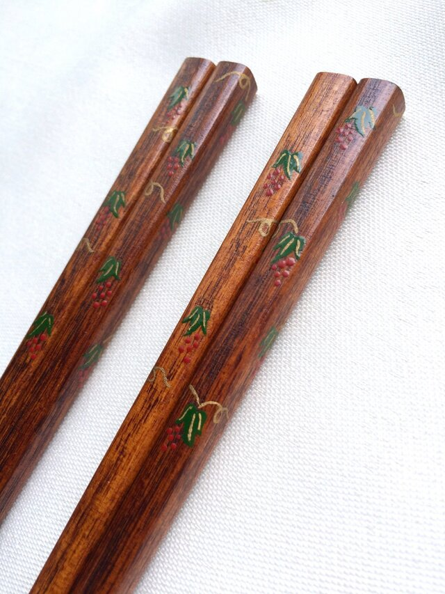 摺り漆の箸 (漆絵・赤い実)の画像1枚目
