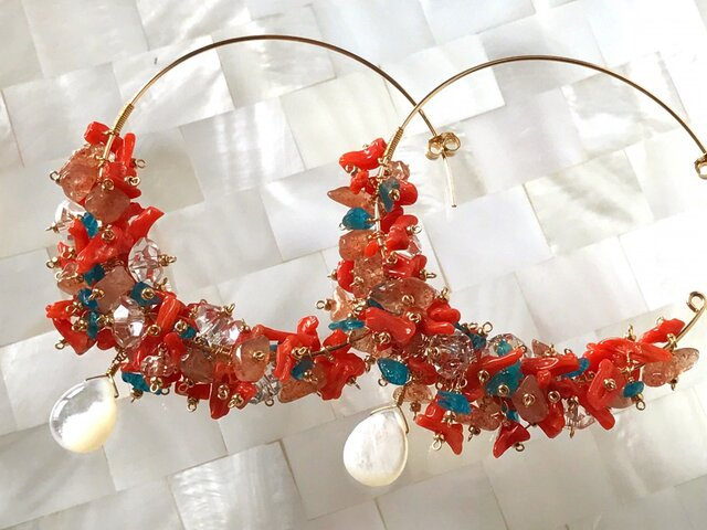 Coral earringsの画像1枚目