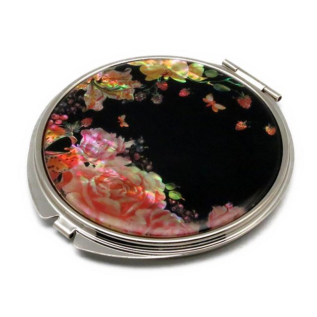 コンパクトミラー 天然貝仕様(薔薇と果実に誘われて)<螺鈿アート>の画像1枚目