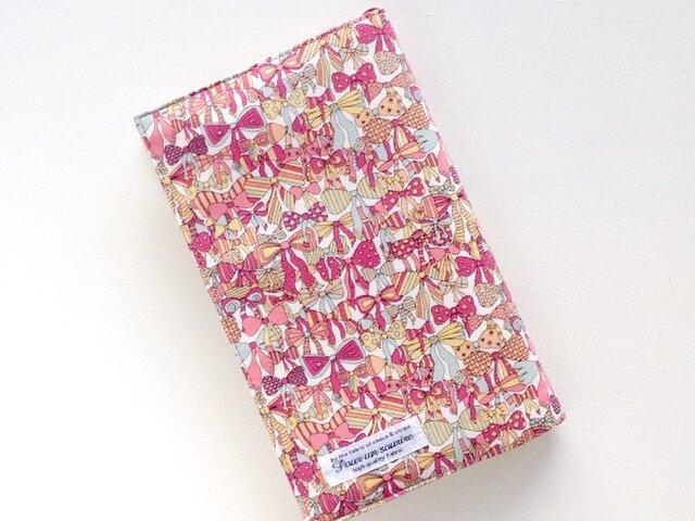 リバティ 新書 ブックカバー ジェニーズリボンズ ピンクの画像1枚目