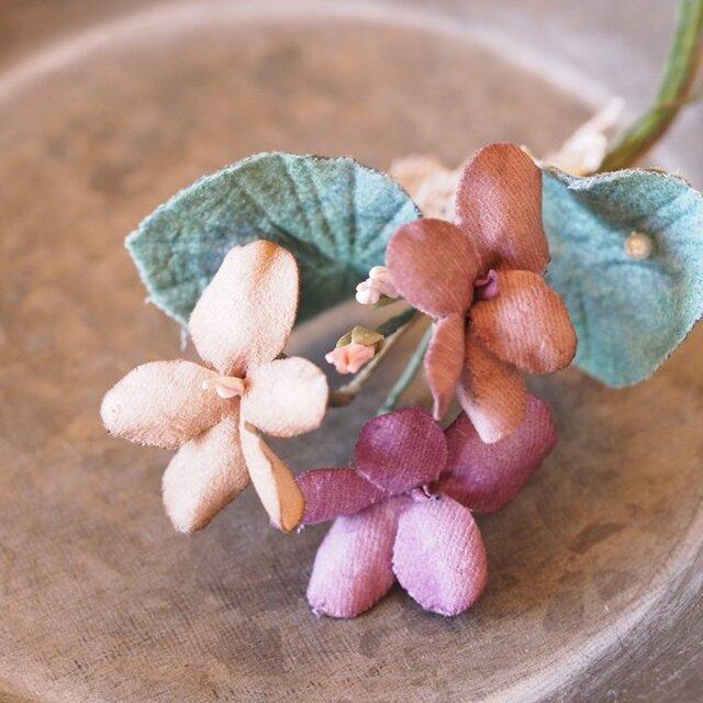 布染花*violette*コサージュ*bの画像1枚目