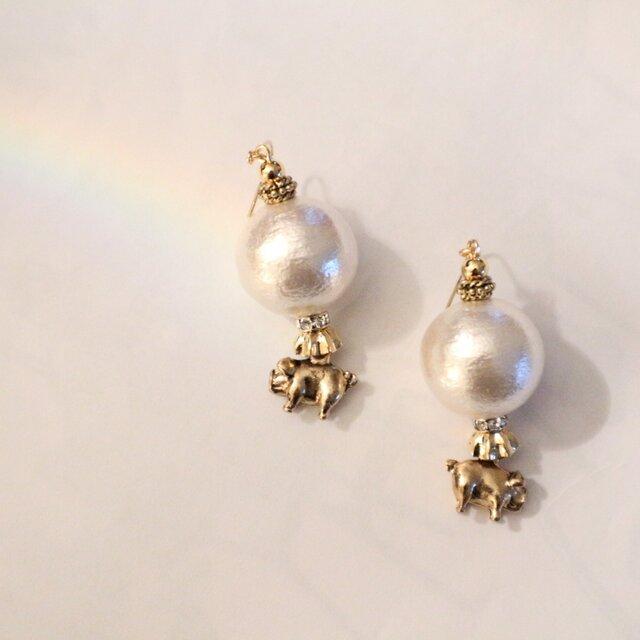 ブタに真珠(ピアス/イヤリング)の画像1枚目