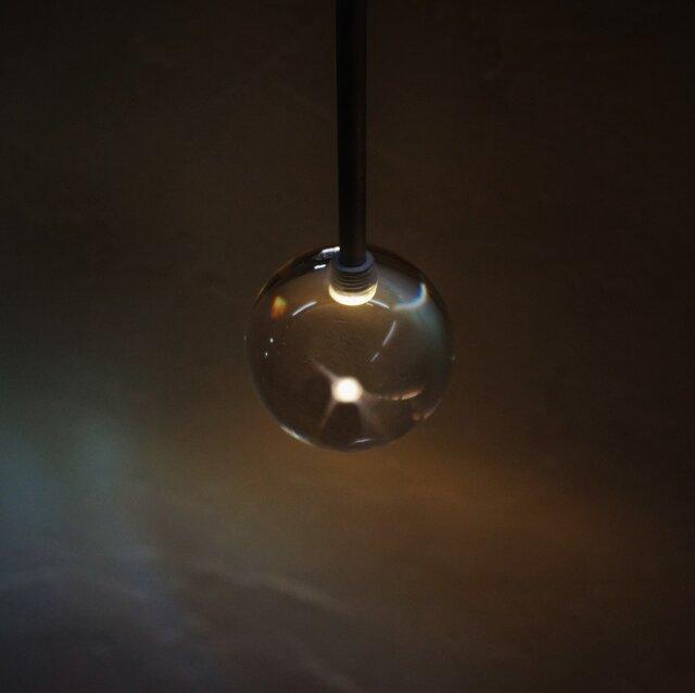 gg(ジジ)TYPE-Ⅰ【φ60球×電球色】 ~光の粒が浮かぶ アクリル球体ライト~の画像1枚目