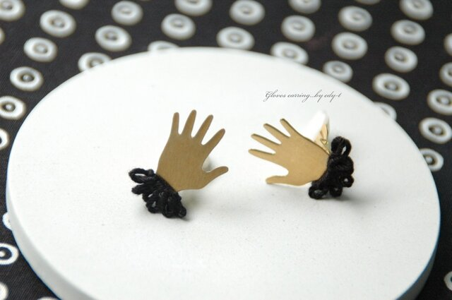 gloves earring/blackの画像1枚目