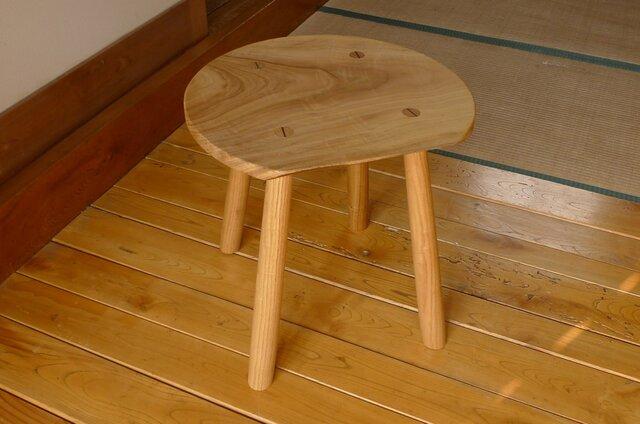 クスノキの丸テーブルの画像1枚目