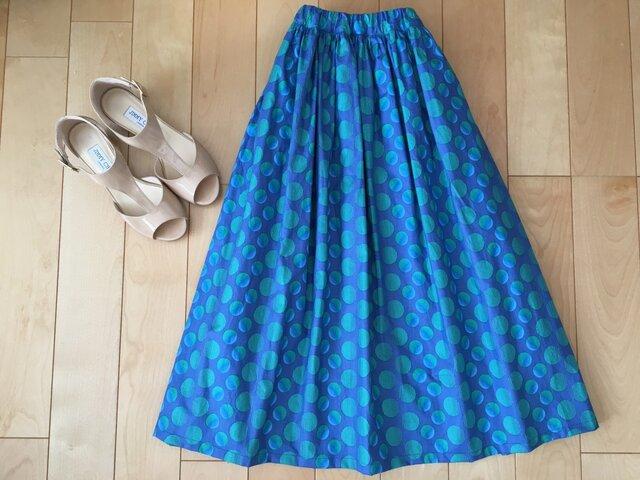 ダブルドットロングギャザースカート(ブルー)お揃い柄シュシュ付きの画像1枚目