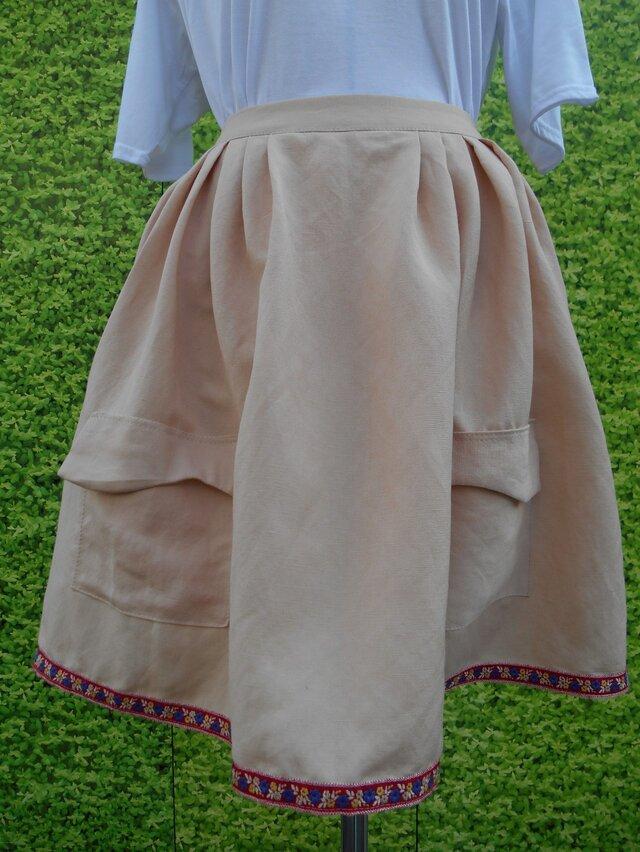 ピンクチロリアンテープスカートの画像1枚目