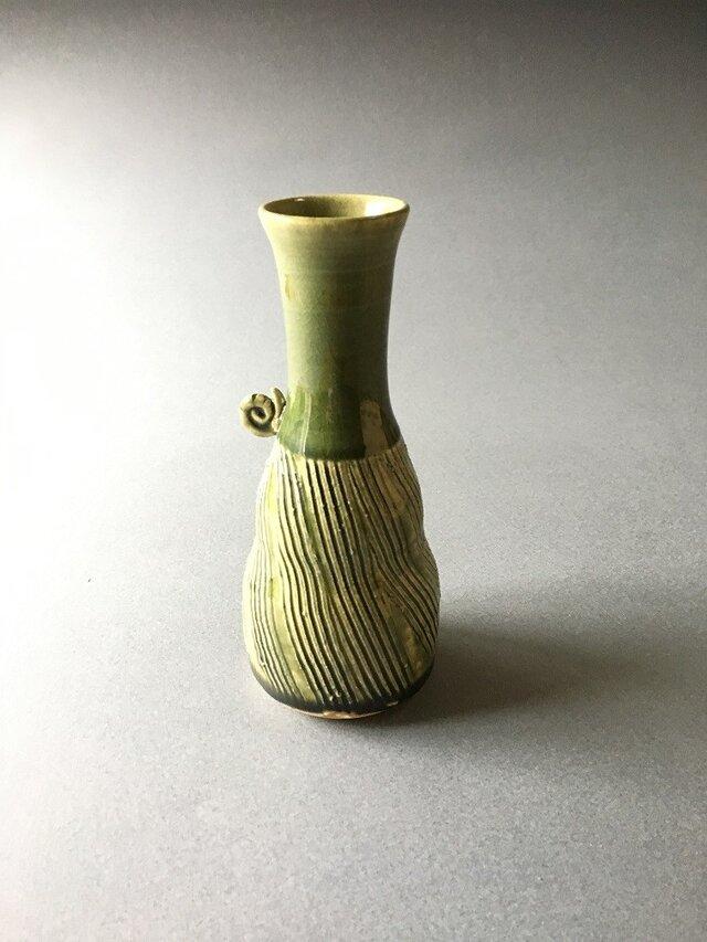 緑釉櫛目カタツムリ花入れ(酒器)の画像1枚目