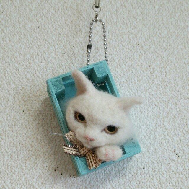 白猫 羊毛フェルト オーナメントの画像1枚目