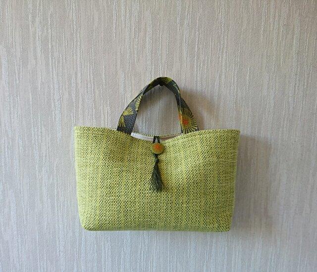 裂き織りのバッグ Mサイズ横長 若草色の画像1枚目