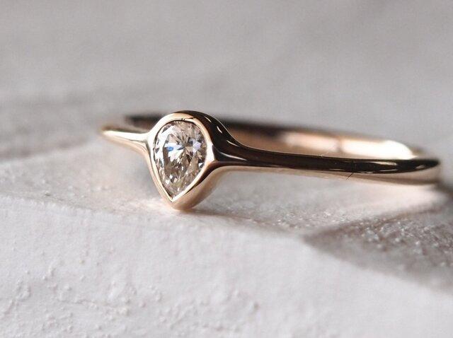 雫のダイヤモンド指輪の画像1枚目