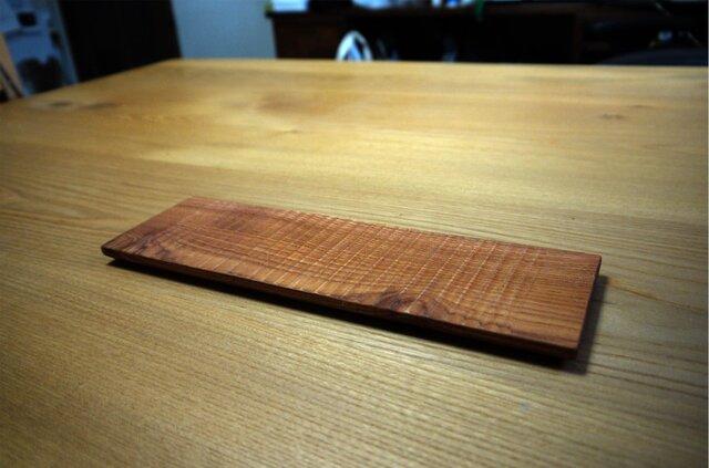 木のしのぎ平皿 チャンチンの画像1枚目
