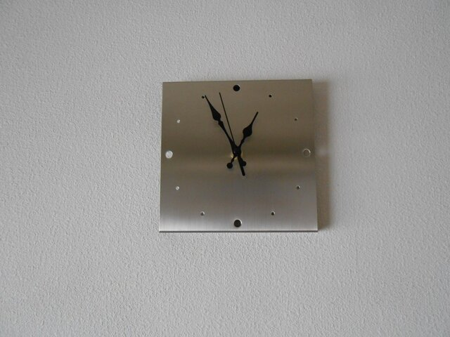 ステンレス 壁掛け時計(置時計兼用)の画像1枚目