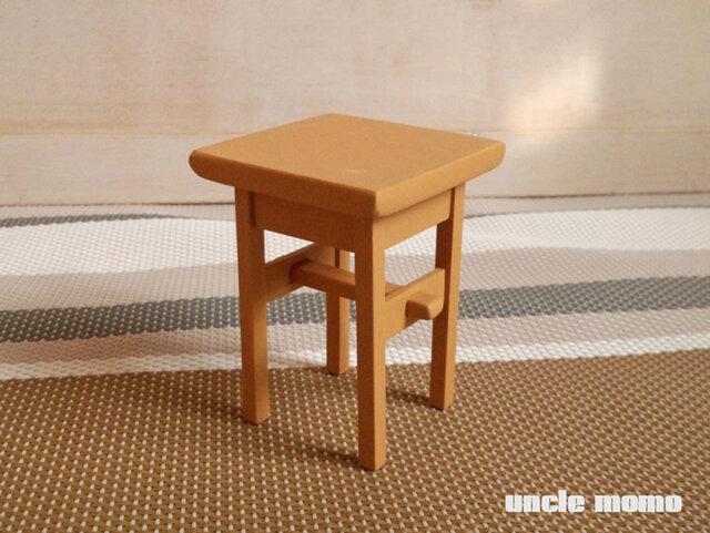 ドール用サイドテーブル(色:アプリコット) 1/12ミニチュア家具の画像1枚目