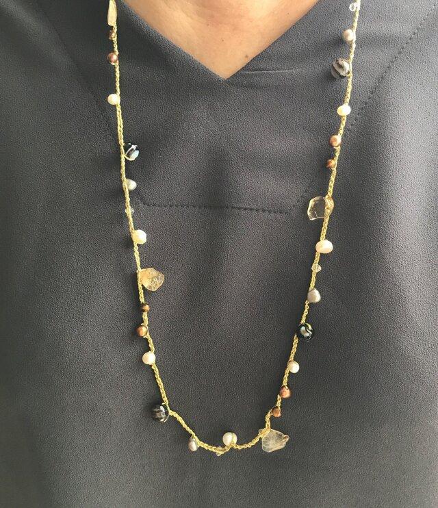 フランス製ラメ金糸編み込み天然淡水パール&天然石ネックレスの画像1枚目